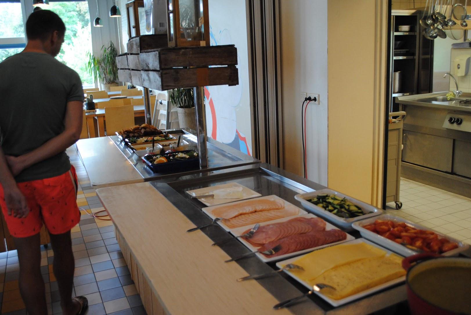 Open buffet lunch kantine